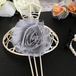 チュール生地がベースの 3Dのシフォンモチーフになります。 衣装やドレス、お洋服や作品などに縫い付け...