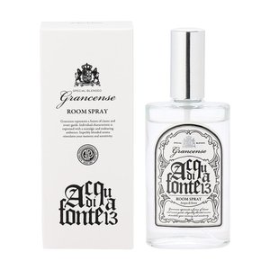 お部屋のための香水とも言えるルームスプレー。手軽に、広く空間を香らせることができます。