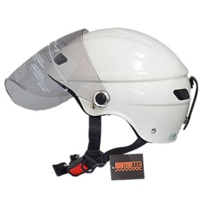 スタイリッシュな開閉式シールド付きハーフヘルメット【商工会会員店です】