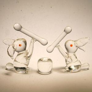 ウサギのお餅つきセット(クリア) 干支 ガラス細工 雑貨 置物|enoshimahook