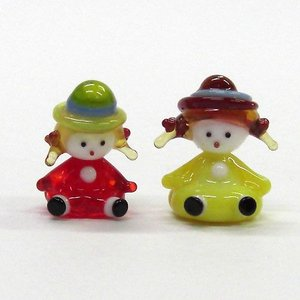 仲良し女の子 帽子の女の子 世界の子どもたち ガラス細工 雑貨 置物|enoshimahook