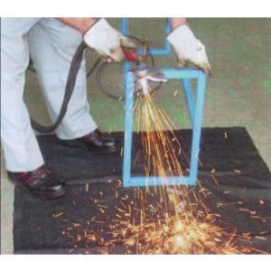 30m入カーボンブラック  黒スパ君SP-C(炭化繊維)溶接火花防止養生シートJIS A1323C種...