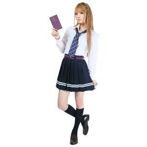 校則指定の制服のスカート丈もあっという間にミニスカに変身☆暗くなりがちな制服コーデの差し色にも♪