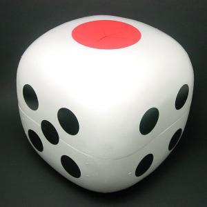 一個二役! サイコロはもちろん、抽選ボックスとしても使用出来ます。 (1の目が取り出し口) 【仕様】...