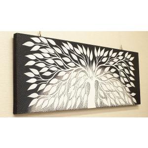 ドットアートは、数ミリ程の細かい点(ドット)で描かれた、バリ島のモダンアートです。  1点ずつ手書き...