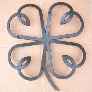 妻飾り 壁飾りクローバーリーフ シンボル アイアン風壁飾り アルミ鋳物 エクステリア 外壁工事|estoah