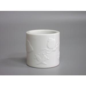 ▽道具の詳細 価格以上の出来栄えで人気のある平戸焼作家、横石嘉助作品です。真っ白の白磁に、打出の小槌...