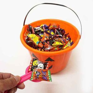 オレンジバケツの中のハロウィンキャンディすくいどり 270個/ 動画有【軽減税率対象商品】|event-ya