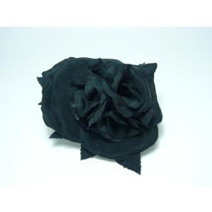 コサージュ アクセサリー 洋服や着物につけたり 帽子を飾ったり バックやポーチにとめたりと自由自在なコサージュ コサージュ 黒薔薇の大輪|familiamia