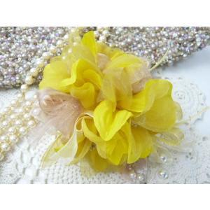 コサージュ&ヘアクリップ2WAY 3色のグラデーションリボン イエローからしの濃い色 造花 フォーマル familiamia
