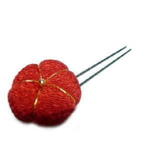 ちりめん髪飾り 「梅小町」 オニピン 中赤 着物にも洋服にも合う和小物がヘアーアクセサリーになってセンスアップ!|familiamia
