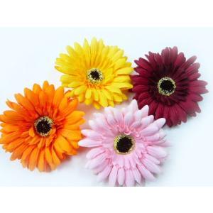 髪飾り&コサージュ2WAY 大きいガーベラ(1個) ヘアーアクセサリーにもなる手作りの造花 familiamia