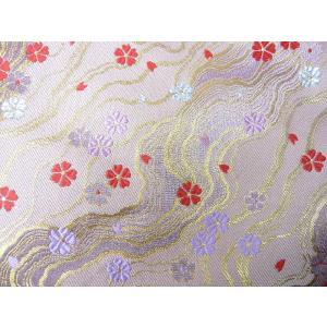 金襴 生地 豪華絢爛な流れ模様 銀 薄紫 赤の桜 うす紫003-9(10cm) 布 はぎれ 和風 緞子|familiamia