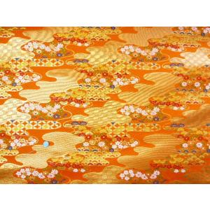 金襴 生地 豪華絢爛な流し文様七宝松に菊 橙008-24(10cm) 布 はぎれ 和風 緞子|familiamia