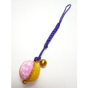 携帯ストラップ ちりめん細工 丸玉小 桃 和のお土産に 根付の伝統を見直す|familiamia