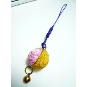 携帯ストラップ ちりめん細工 丸玉大 桃 和のお土産に 根付の伝統を見直す|familiamia