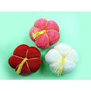 お正月飾り ちりめん細工 黄色い花芯のちりめん梅(1個) 小物|familiamia