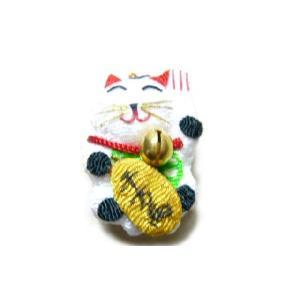 お正月飾り ちりめん細工 招き猫 半立体 伝統の縁起物 和小物で華やかに新春を祝う|familiamia