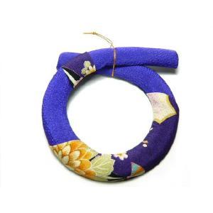 お正月飾り ちりめんリース 一越紫14cm  伝統の縁起物 和小物で華やかに新春を祝う|familiamia