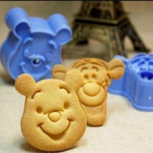 クマのプーさんとティガー型セット♪キャラクターのクッキー抜き型2個セット