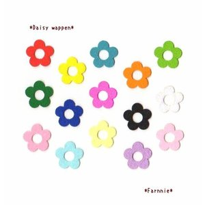 【カット】デイジーのお花フェルトモチーフワッペン♪【2L】|farnnie-ya