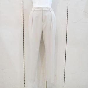 インディヴィ INDIVI レディース [スーツ] タックセンタープレスパンツandGIRL掲載 (アウトレット50%OFF) 半額 通常販売価格:14850円|fashionspace-yokoya