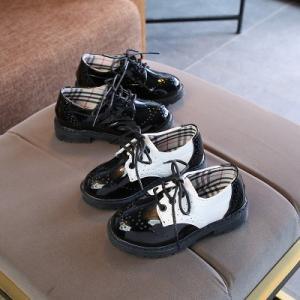 子供靴 革靴 キッズシューズ 春秋 男の子 女の子 男女兼用 オシャレ ステージ 演出 シンプル ファッション ホワイト ブラック|fashionya