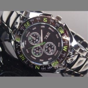 ガンメタ重厚メタルウォッチ腕時計クロノデザイン