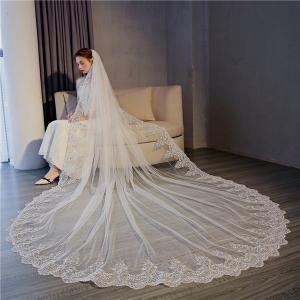 製品の説明 輝いた花嫁にふさわしいウエディングベールです。  ◆サイズ:【長さ約3.m・幅約3m】 ...