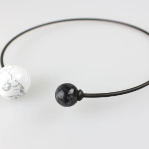 OSKLEN 白黒天然石チョーカー|femme|02