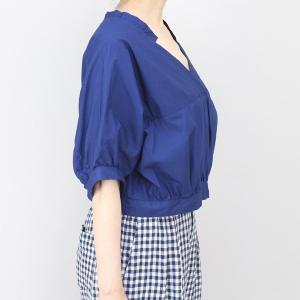 アコーレ ブルー半袖スキッパーショート丈ブラウス|femme|02