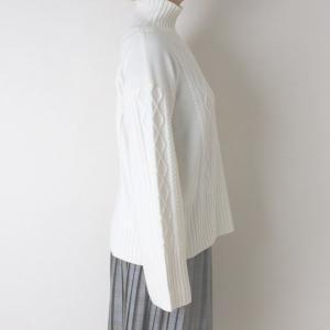 Apaiser lame(アぺゼラム)アラン編み柄ベルスリーブタートルセーター|femme|03
