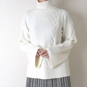 Apaiser lame(アぺゼラム)アラン編み柄ベルスリーブタートルセーター|femme|05