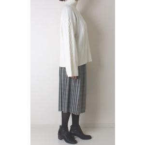 Apaiser lame(アぺゼラム)アラン編み柄ベルスリーブタートルセーター|femme|07