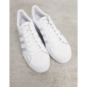 アディダス adidas Originals メンズ スニーカー シューズ・靴 Superstar Trainers In White With Silver Stripes ホワイト fermart