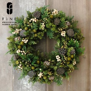 ハスとムイリーコーンのリース/クリスマス/リース/プリザーブドフラワー/玄関/カフェスタイル/ナチュラルリース/送料無料/15時までのご注文であすつく|fine-flower