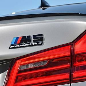 BMW純正F90 M5Competitionに装着の純正リアトランクエンブレムです。  安心高品質の...