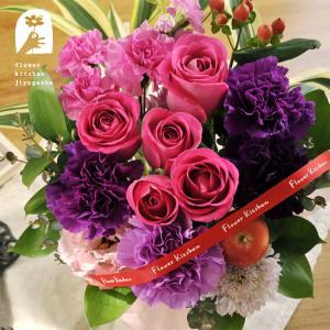 バラとムーンダストのアレンジ 花 フラワーギフト|fkjiyugaoka