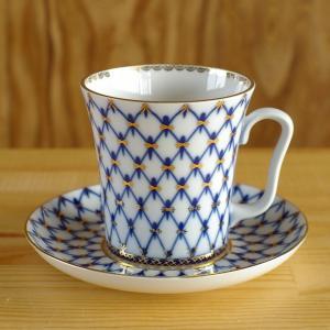 ロシア Imperial Porcelain のマグカップ&ソーサーです。  コバルトブルーの網目に...