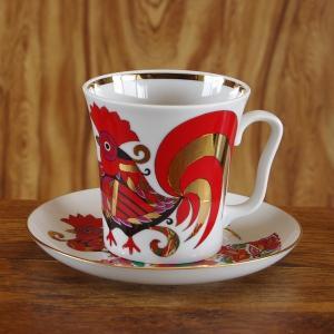 ロシア Imperial Porcelain のマグカップ&ソーサーです。 たっぷりめの大きなカップ...