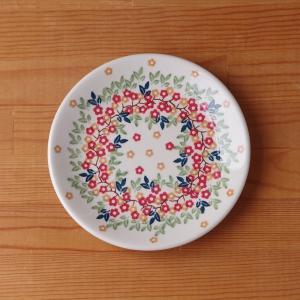 ポーランド陶器のプレートです。  デザートプレートや取皿としてちょうどいいサイズです。 小さなオレン...