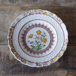 イギリスの陶器メーカー SPODE のパンプレートです。 一般的なデザートプレートよりも一回り小さな...