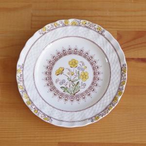 イギリスの陶器メーカー SPODE のプレートです。  Buttercup というシリーズのものです...