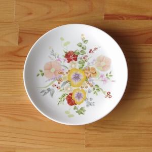 イギリスの陶磁器メーカー Wedgwood(ウェッジウッド)の中皿です。  Summer Bouqu...