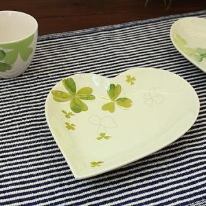 anan クローバー ハートプレートA(片側にクローバー)   洋食器 デザート プレート 中皿 取り皿 ケーキ皿 アウトレット 日本製