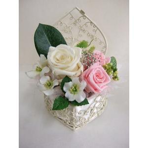 ☆【枯れないお花】ハート型ミニバスケットの【プリザーブドフラワー】♪|flowerelegance