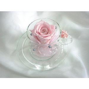 ガラスのティーカップ|flowerelegance