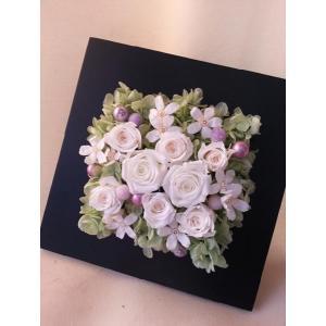 プリザーブドフラワー・アレンジメント『ブラックフレーム』【誕生日・お祝い・記念日・母の日】|flowerliberte