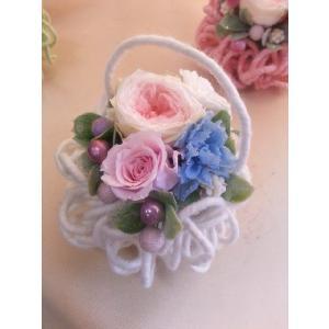 プリザーブドフラワーのアレンジメント「モコモコホワイト|flowerliberte