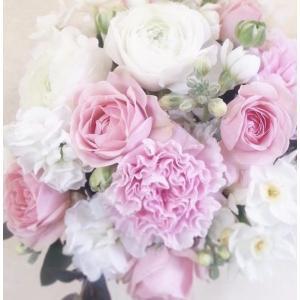 【母の日】フラワーアレンジメント・ピンクホワイトM flowerliberte